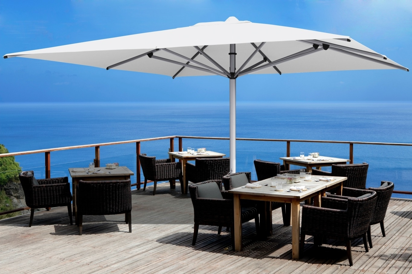 Famous Shadowspec Luxury Umbrella Systems: 5 Reasons Why Commercial Outdoor Regarding Extended Patio Umbrellas (View 8 of 20)