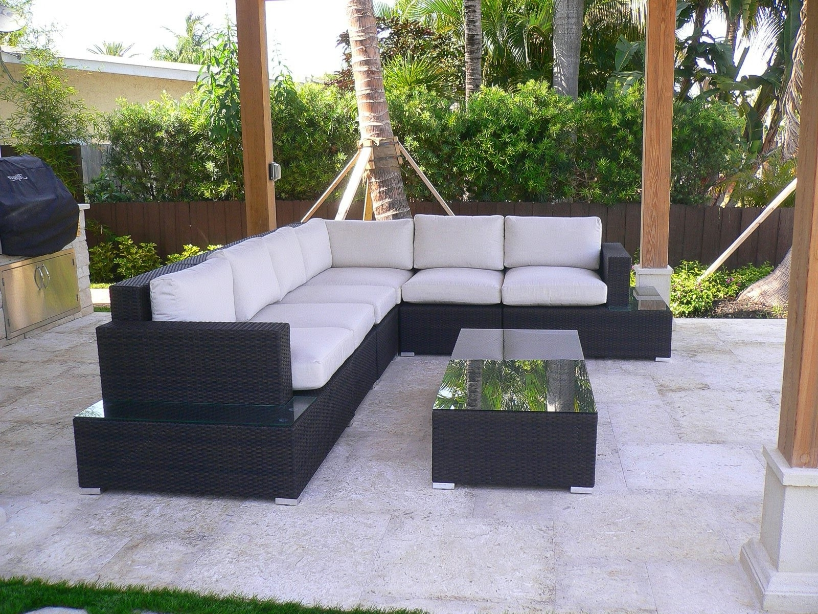 Fashionable Krevco Patio Umbrellas With Source Outdoor Manhattan Collection – Source Outdoor Patio Furniture (View 3 of 20)