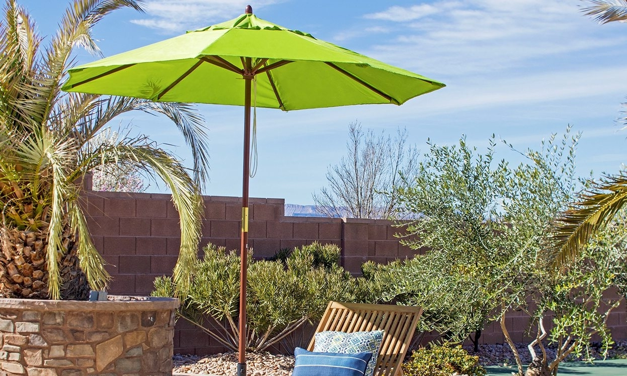Fashionable Patio Umbrellas With Fans With Regard To Throwing Shade: Find The Right Patio Umbrella – Overstock (View 8 of 20)
