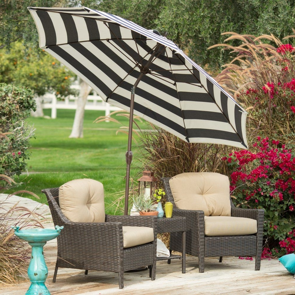 Fashionable This Patio Umbrella Is A Great Complement To Your Outdoor Furniture Throughout Outdoor Patio Umbrellas (View 15 of 20)