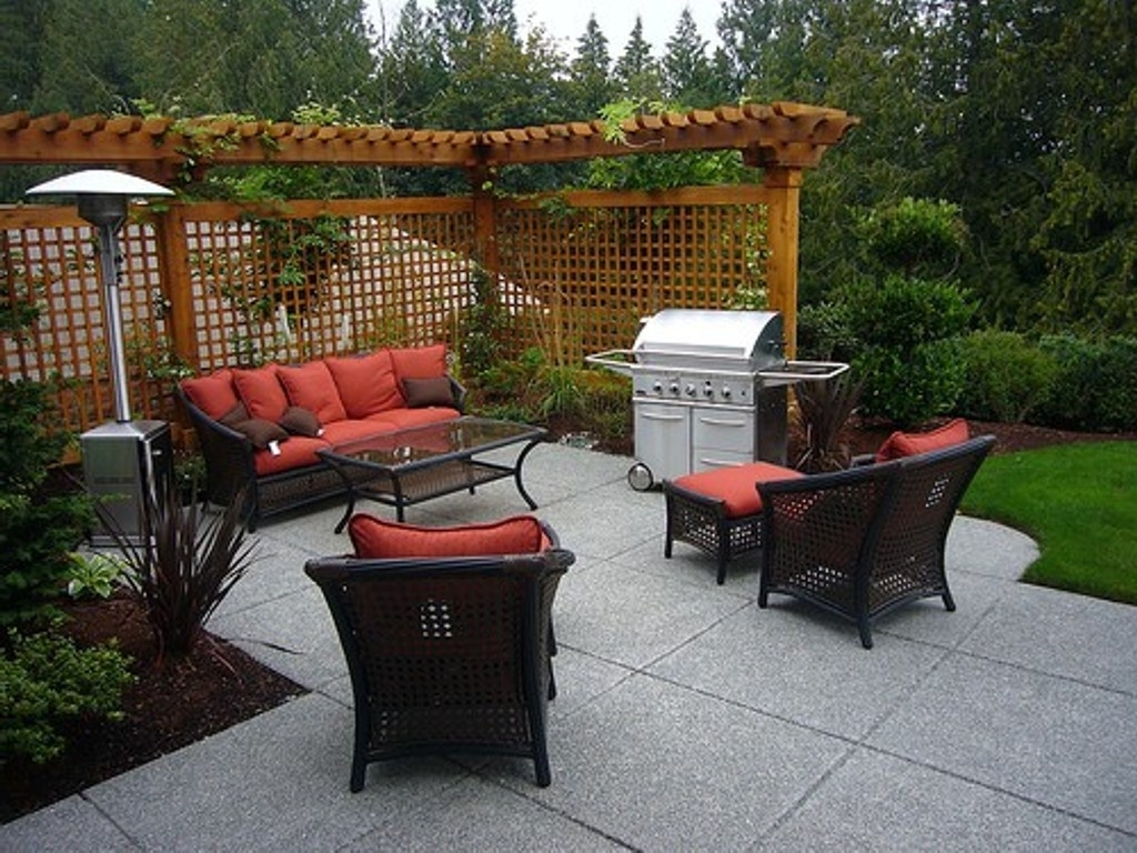 Favorite Small Patio Furniture Ideas : Life On The Move – Amazing Patio Intended For Patio Umbrellas For Small Spaces (View 5 of 20)