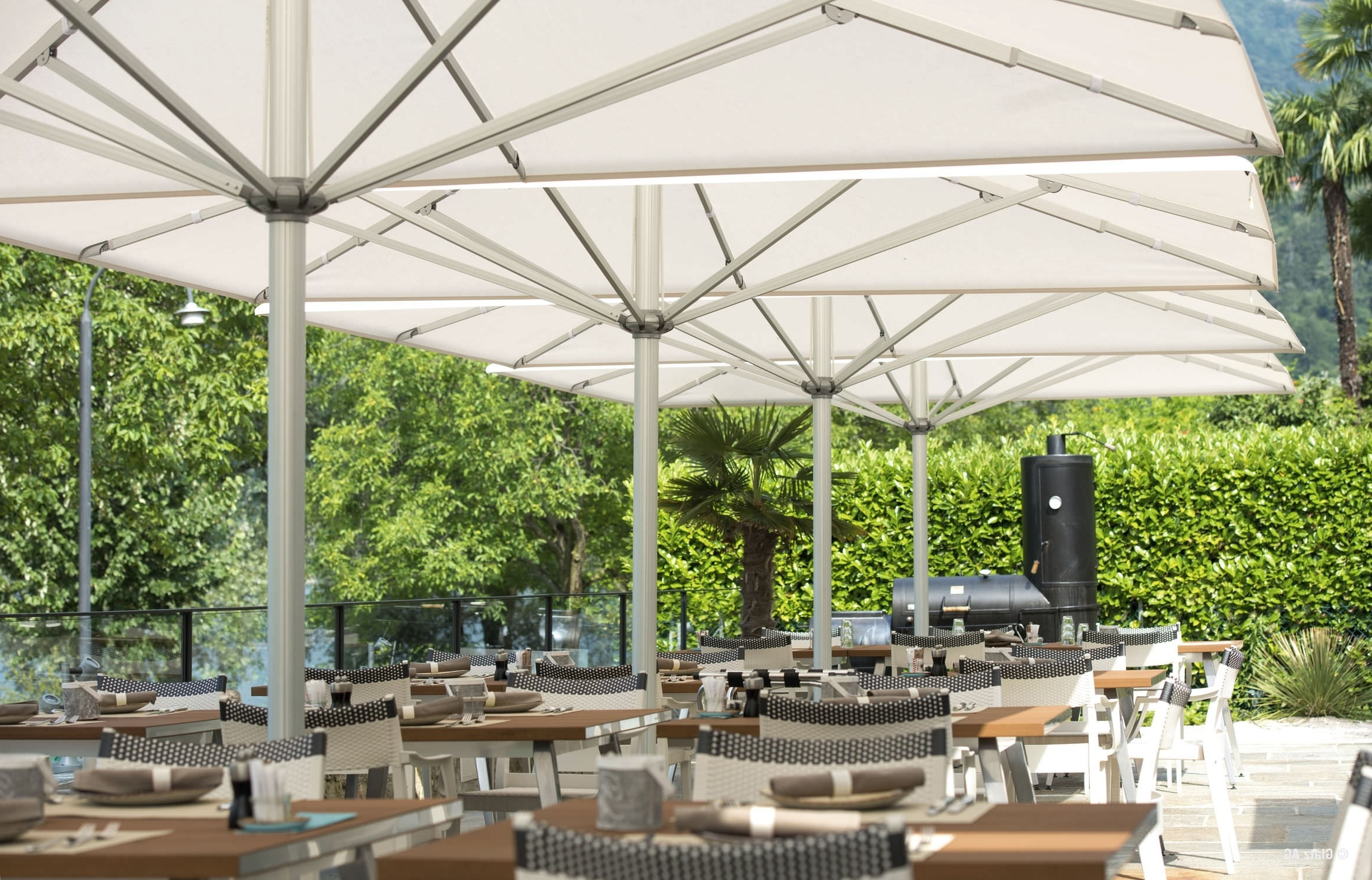 Most Popular Commercial Patio Umbrellas Sunbrella Throughout Fantastic Commercial Patio Umbrellas Sunbrella F28x In Nice Home (View 6 of 20)