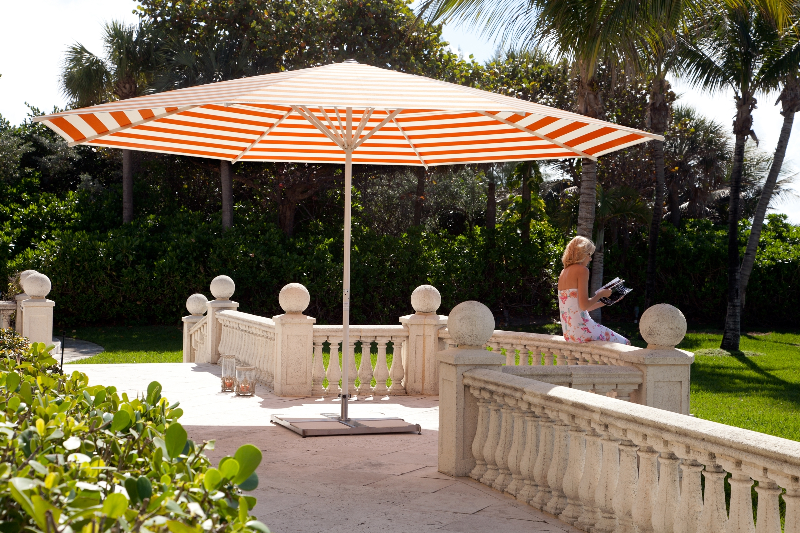 Most Popular Jumbo Patio Umbrellas With Regard To Round Dimension For Giant Patio Umbrellas (View 8 of 20)
