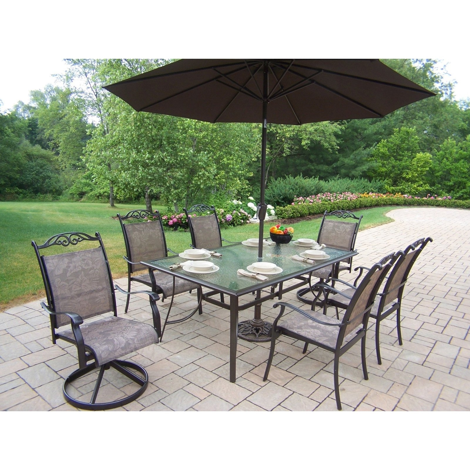 Outdoor Dining Sets With Umbrella Furniture Modern Round Patio Ideas With Latest Patio Dining Umbrellas (View 7 of 20)