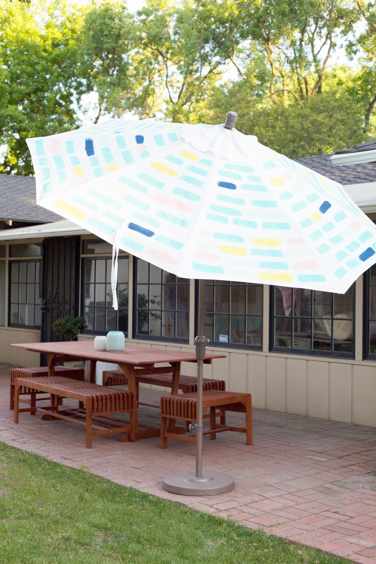 Patterned Patio Umbrellas Throughout Well Liked Diy Painted Pattern Patio Umbrella (View 8 of 20)