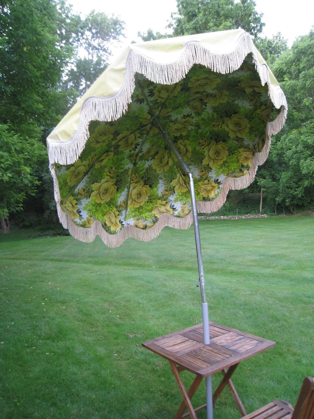 Retro Vintage Mid Century Eanes Era Patio Beach Outdoor Umbrella W Intended For Trendy Patio Umbrellas With Fringe (View 14 of 20)