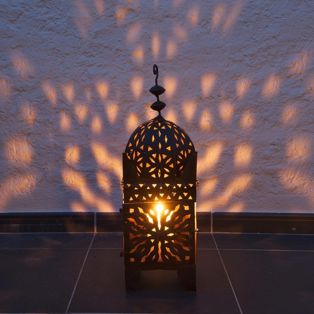 14 Outdoor Lighting Trends For 2018 — The Family Handyman Within Preferred Moroccan Outdoor Electric Lanterns (View 1 of 20)