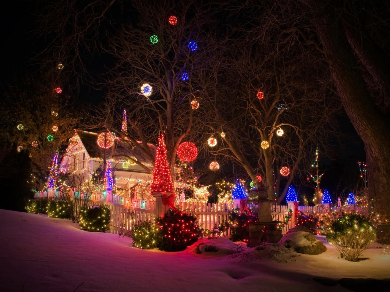 Featured Photo of Outdoor Lanterns For Christmas