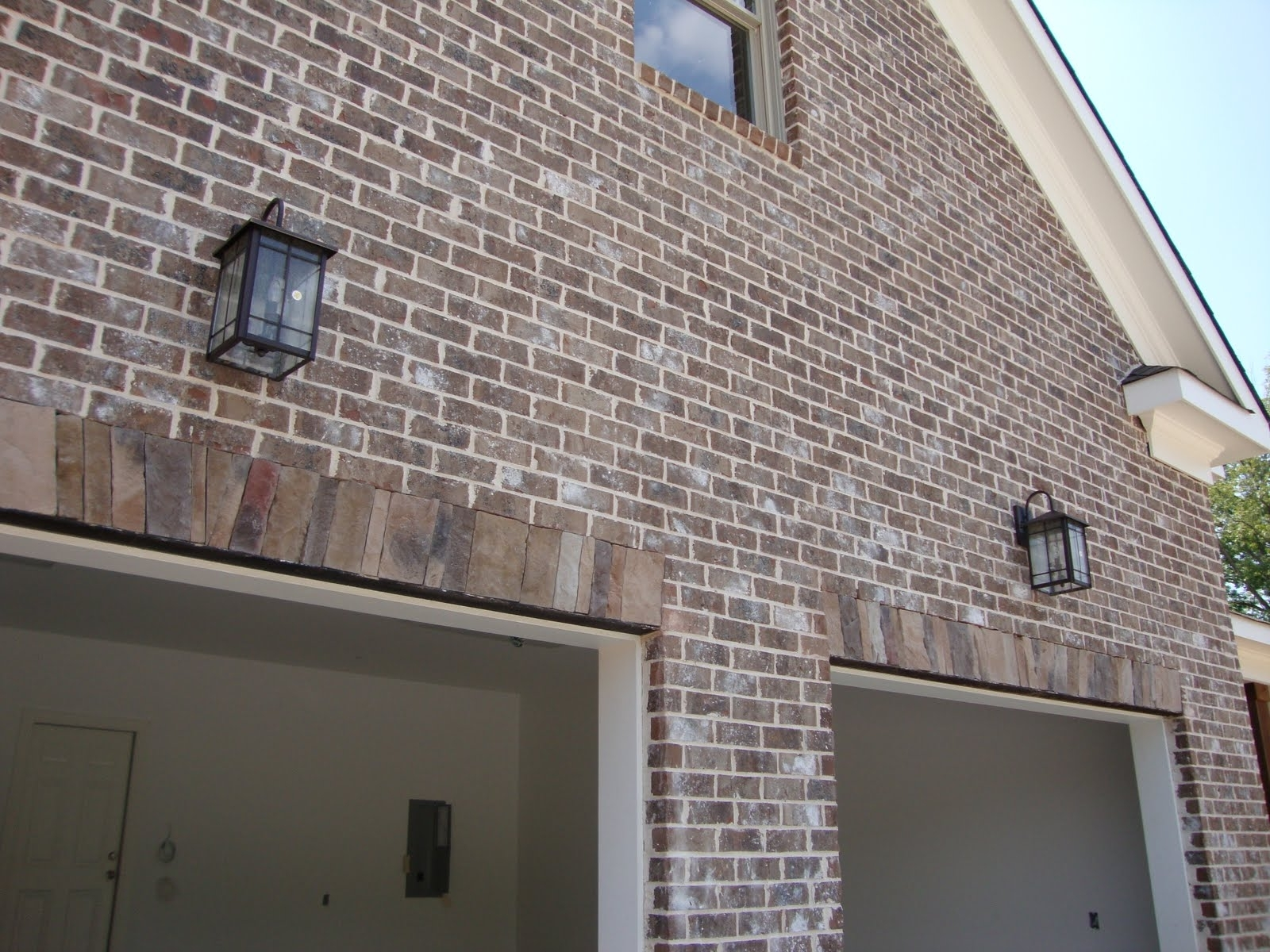 42 Lights Above Garage Doors, Exterior Lights Above Garage Doors For Most Recent Outdoor Garage Lanterns (View 13 of 20)