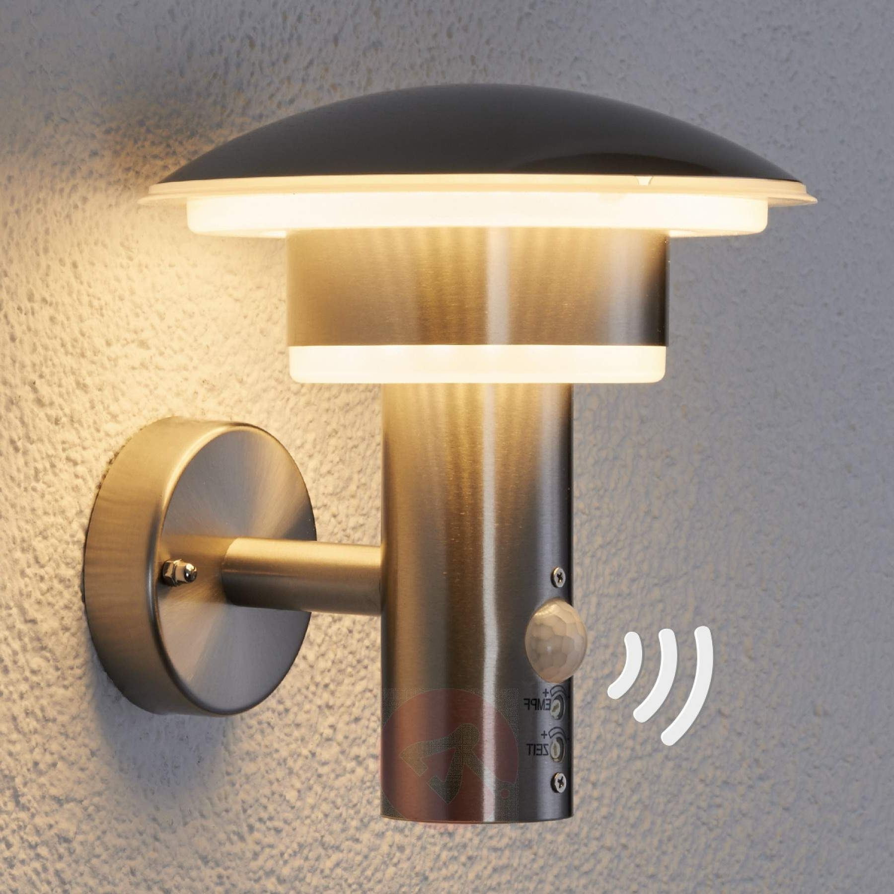 Best And Newest Pir Outdoor Wall Light Lillie With Leds (View 1 of 20)