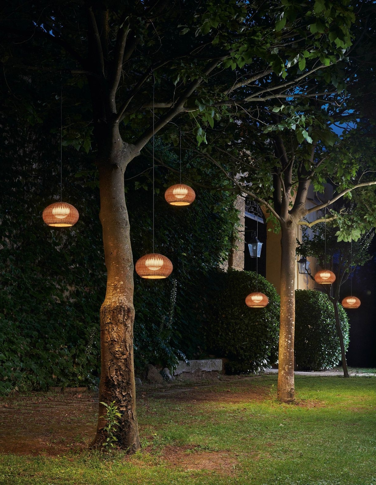Best And Newest Plug In Outdoor Lanterns For Garota Hang (View 2 of 20)