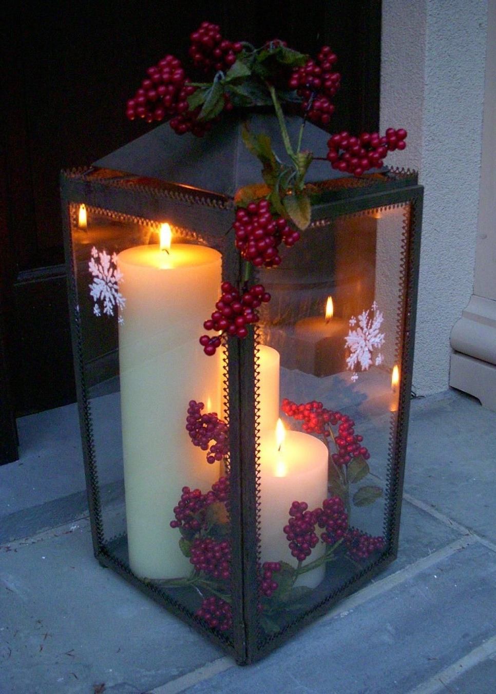 Christmas Decorating With Outdoor Holiday Lanterns (Gallery 3 of 20)