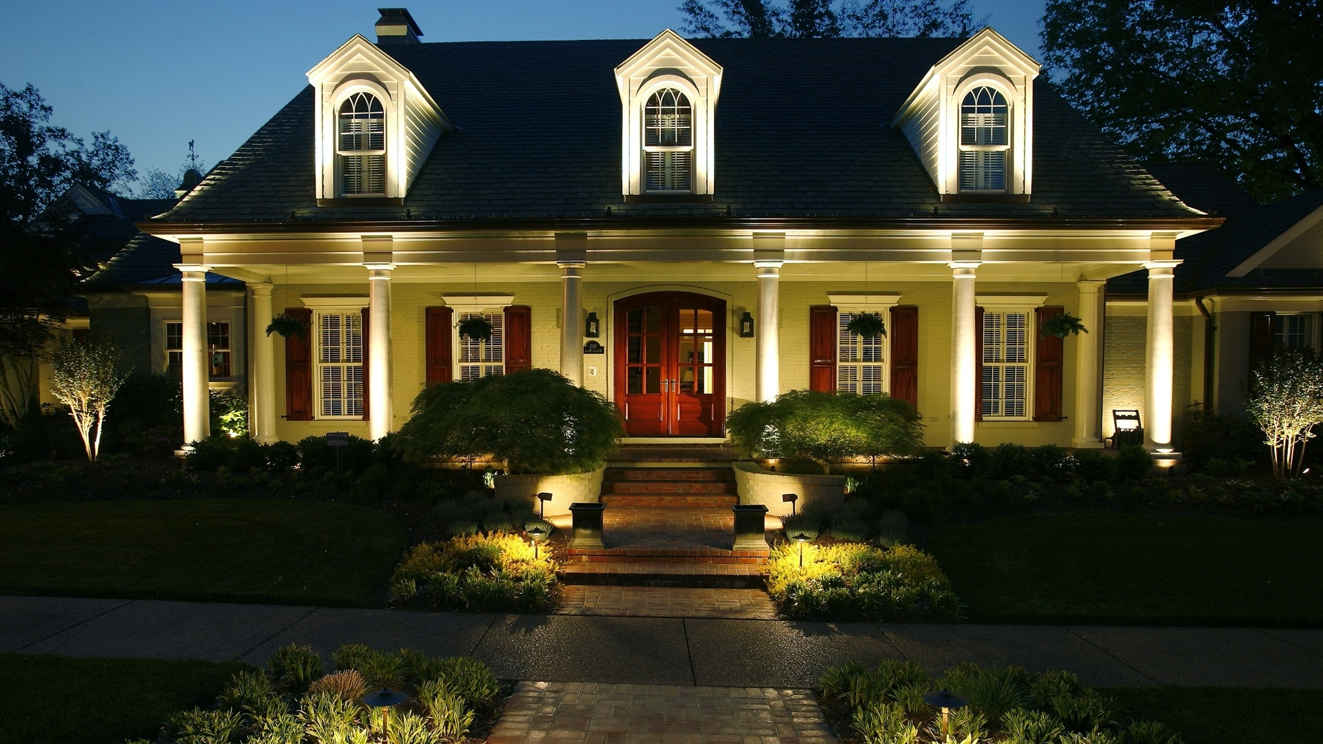 Current Outdoor Yard Lighting Fixtures Landscape Companies Is An Experience With Outdoor Yard Lanterns (View 8 of 20)