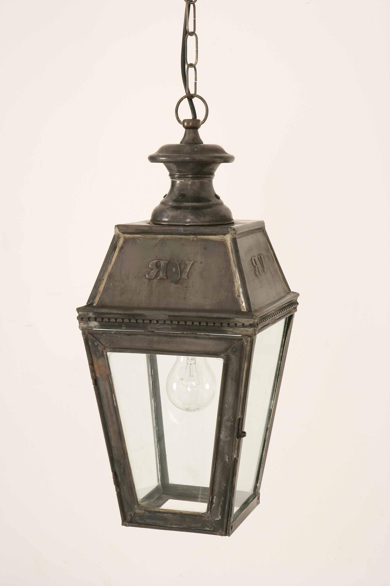 Featured Photo of Victorian Outdoor Lanterns