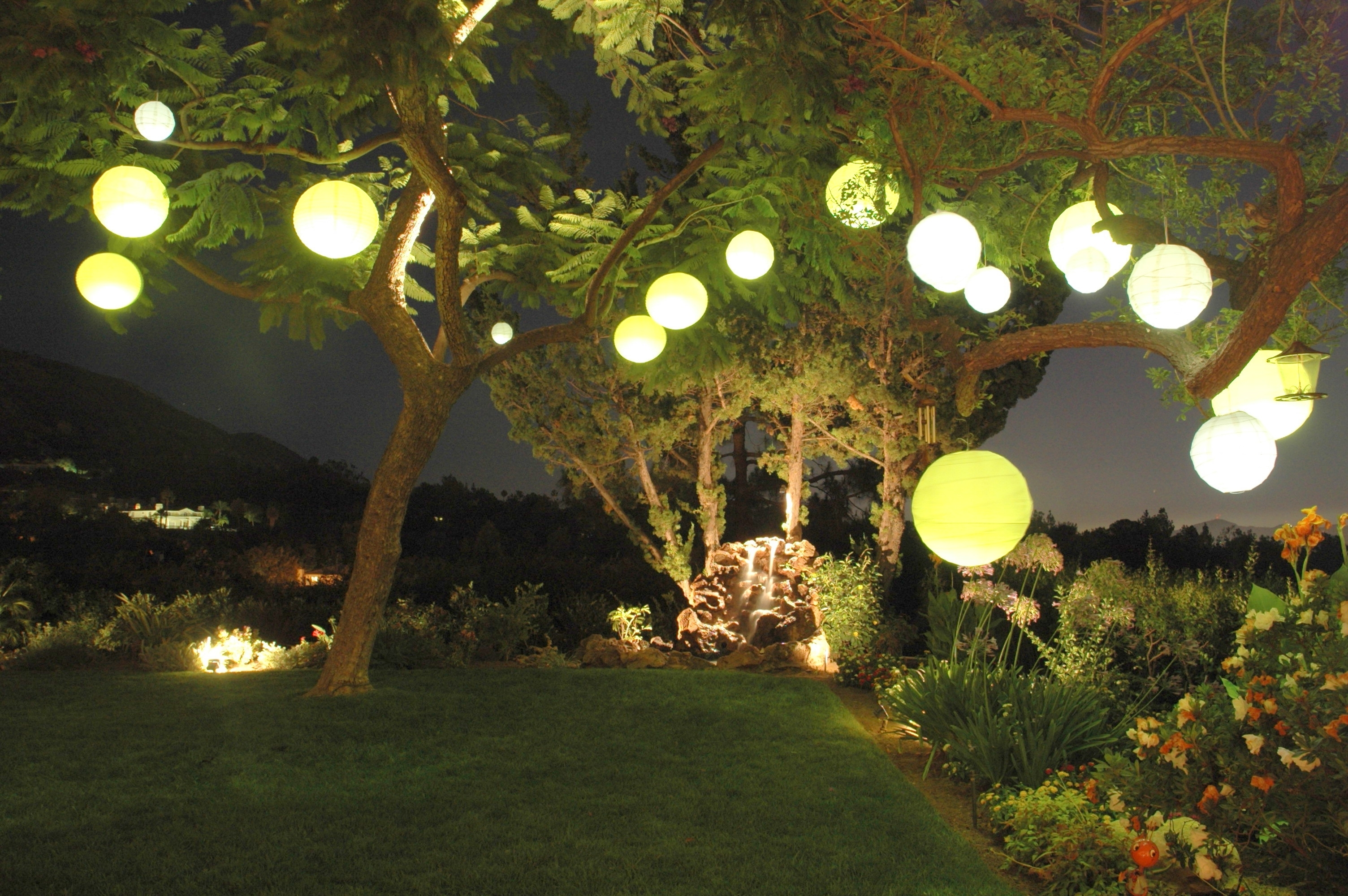 Favorite Decorating: Garden Party With Paper Lantern Light Inside Outdoor Paper Lanterns (View 3 of 20)
