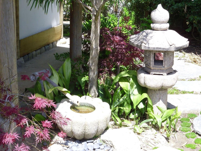 Garden Decor (View 3 of 20)