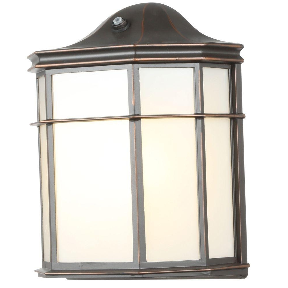 Inexpensive Outdoor Lanterns Within Latest Hampton Bay 1 Light Oil Rubbed Bronze Outdoor Dusk To Dawn Lantern (View 10 of 20)