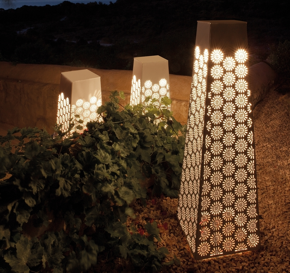 Japanese Garden Lighting Pertaining To Most Current Outdoor Lighting Japanese Lanterns (View 8 of 20)
