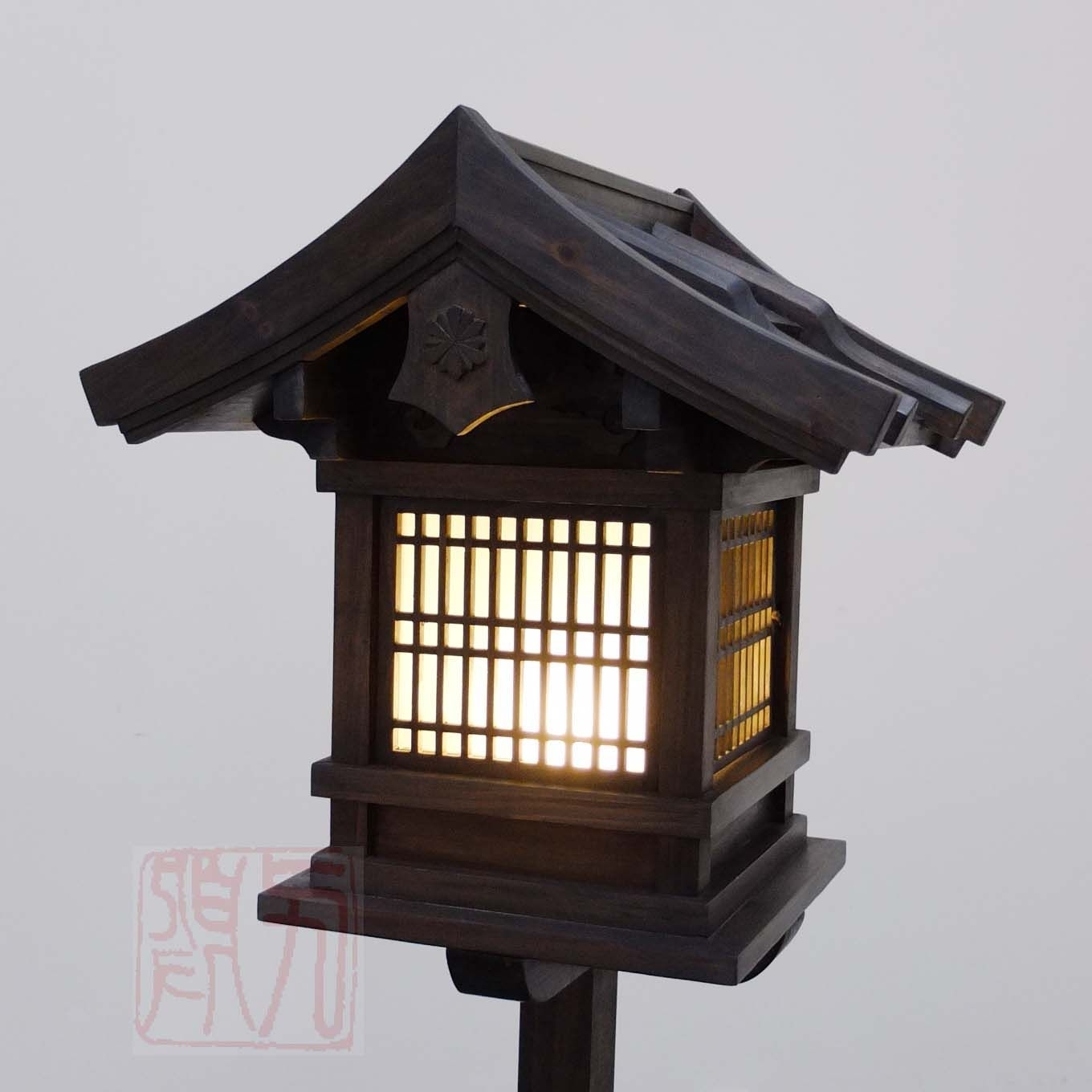 Japanese Wooden Lantern, Outdoor (Wl2) (Gallery 1 of 20)