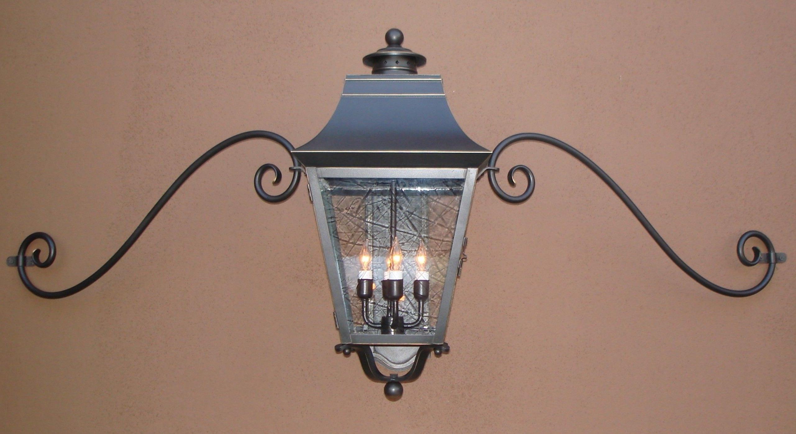 Latest Outdoor Mounted Lanterns Throughout Outdoor Garage Lights Above Doors Modern Outdoor Garage Lights (View 14 of 20)
