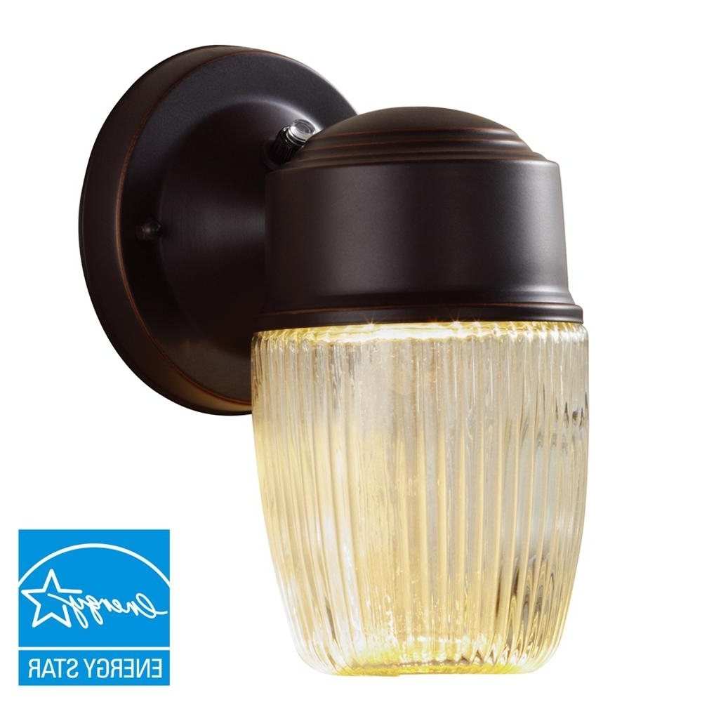 Led Outdoor Lanterns Within Famous Hampton Bay Dusk To Dawn Oil Rubbed Bronze Led Outdoor Wall Lantern (View 10 of 20)