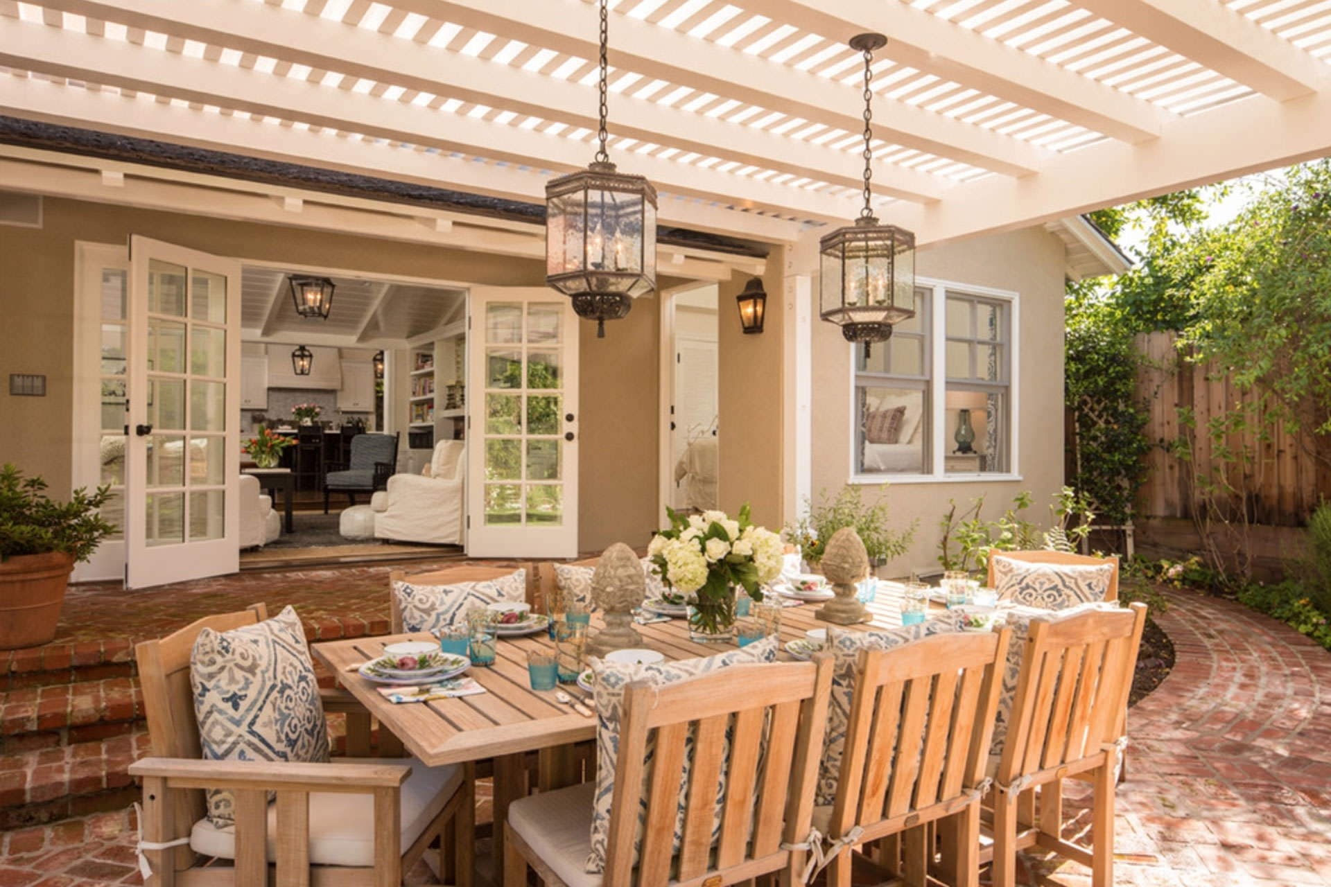 Most Popular Outdoor Dining Lanterns Regarding 33 Neat Design Outdoor Lantern Lighting Ideas Five Pergola To (View 16 of 20)