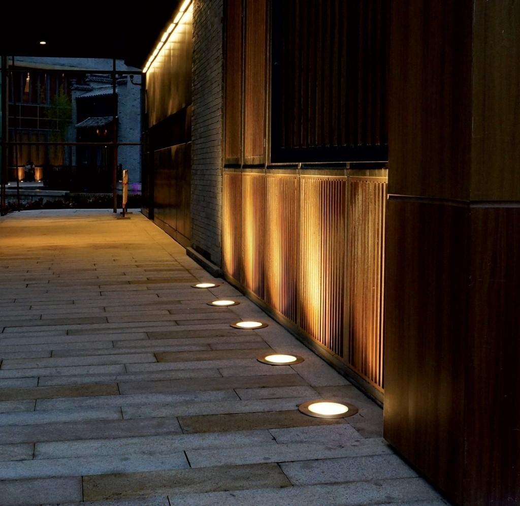 Featured Photo of Outdoor Ground Lanterns