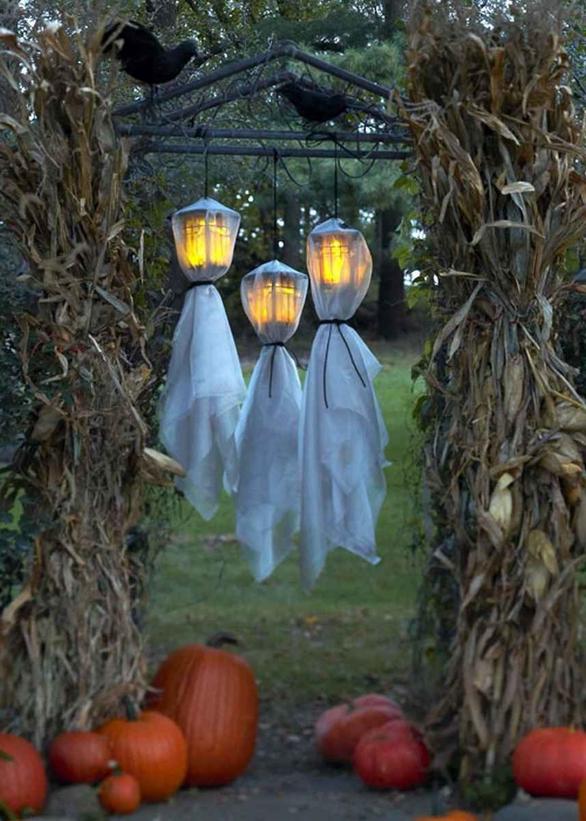 Most Recent Outdoor Halloween Lanterns In Outdoor Halloween Decorations Ideas To Stand Out (View 5 of 20)