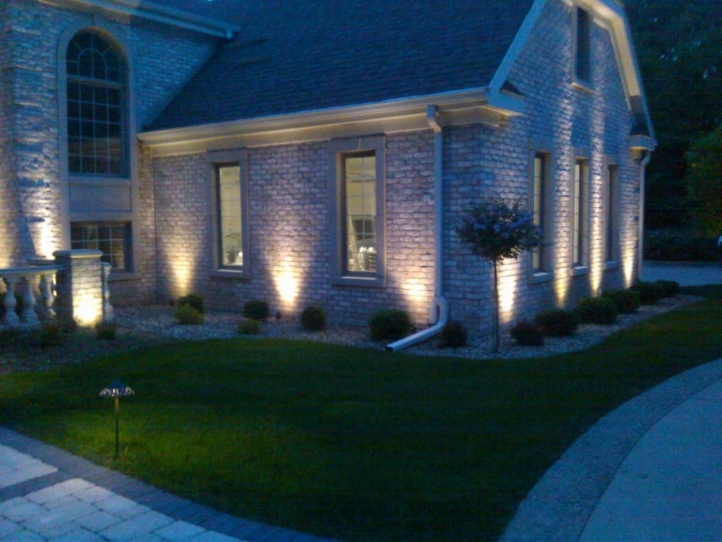 Most Up To Date Outdoor Driveway Lanterns Within Outdoor Lighting Driveway – Outdoor Lighting Ideas (View 10 of 20)