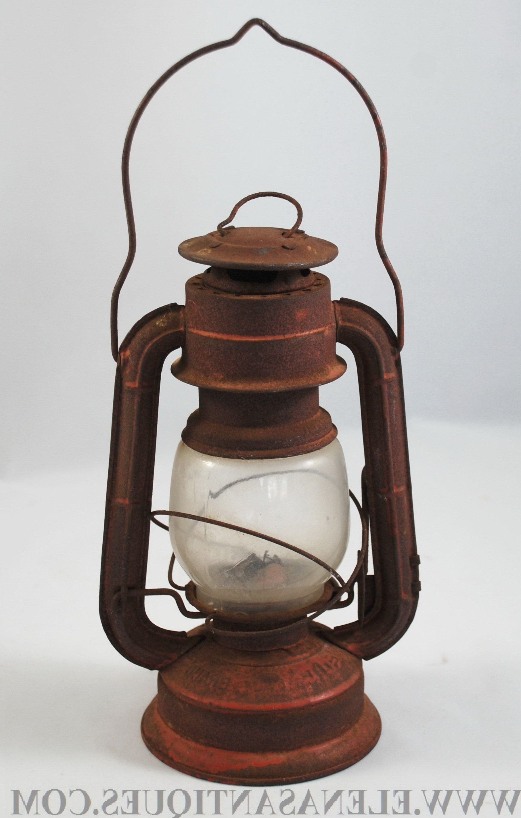 Featured Photo of Decorative Outdoor Kerosene Lanterns