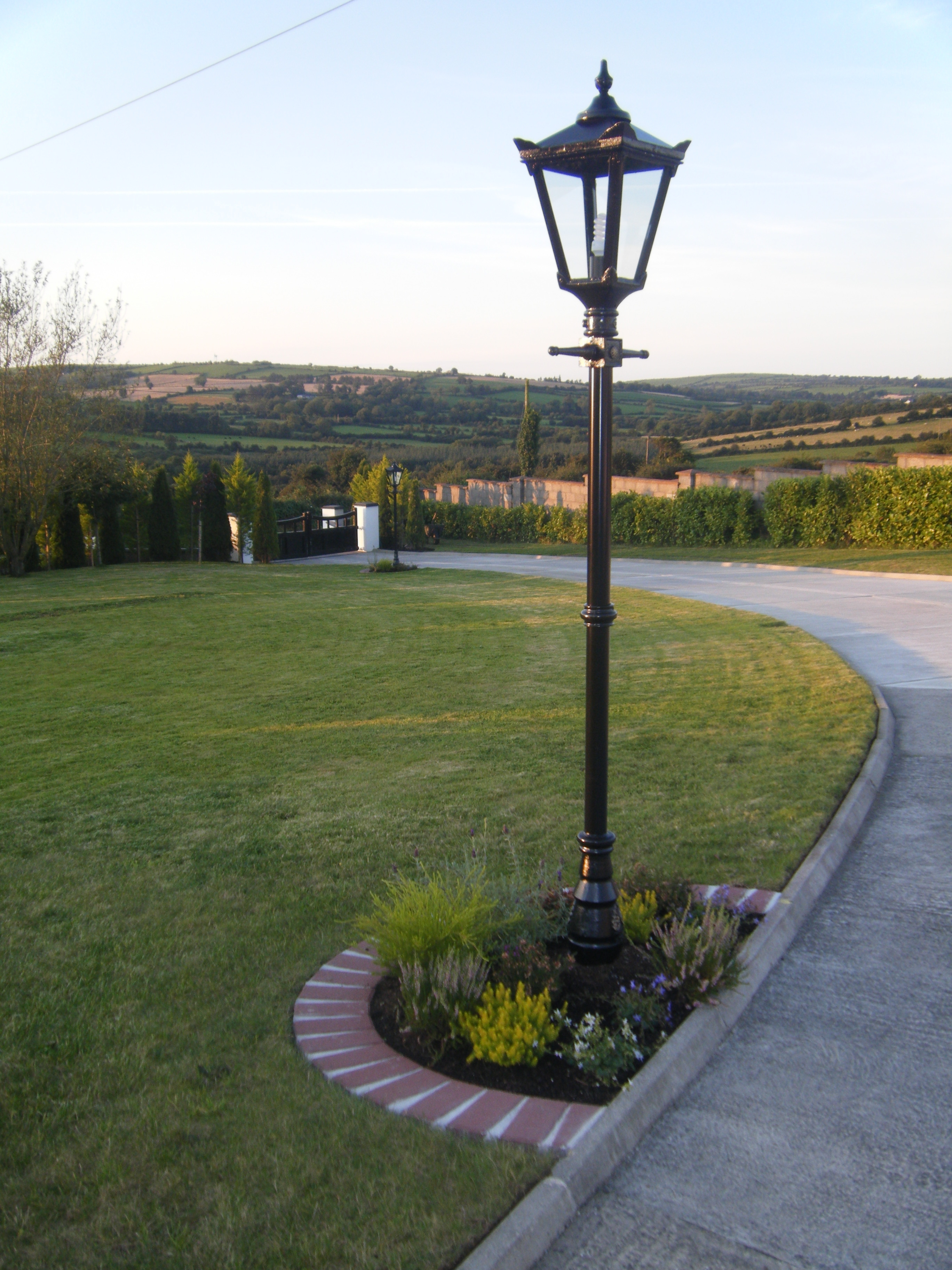Outdoor Driveway Lanterns Regarding Best And Newest Outdoor Driveway Lighting Inspirational 293 Best Images On Pinterest (View 5 of 20)