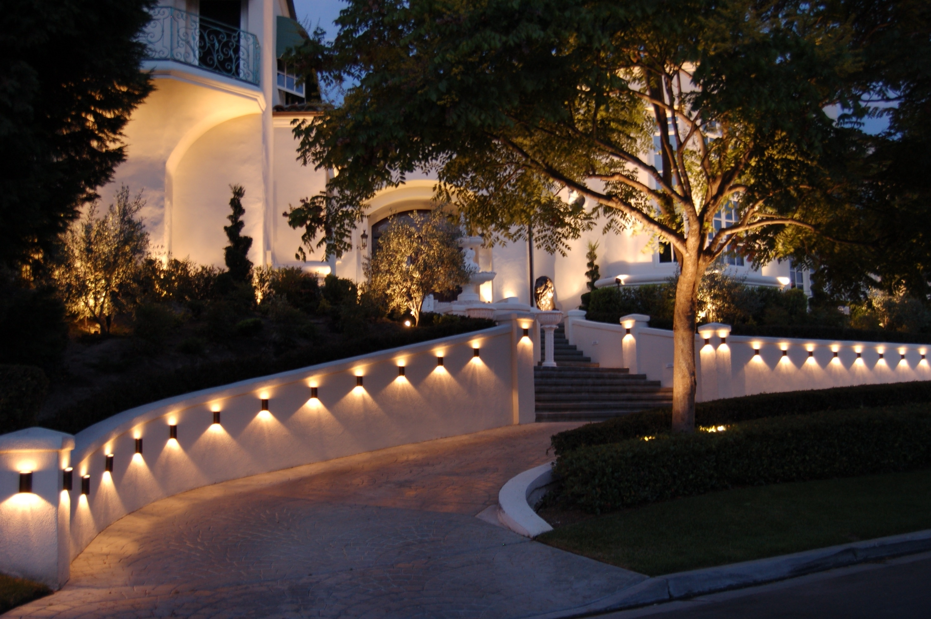 Featured Photo of Outdoor Driveway Lanterns