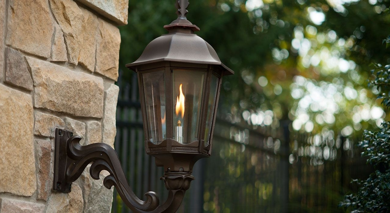 Outdoor Gas Lantern, Next To Or Hanging Above Front Door (View 9 of 20)