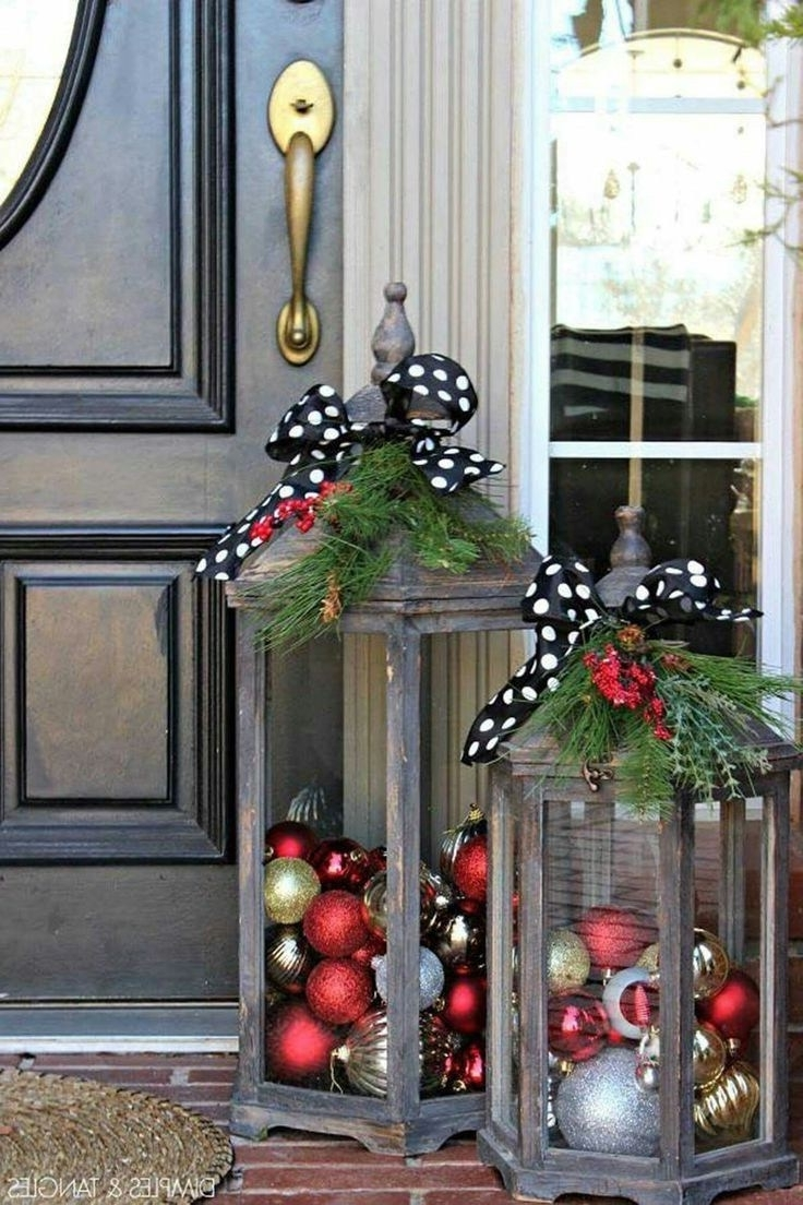 Outdoor Holiday Lanterns Pertaining To 2018 Calmly A Outdoor Holiday Decorating Ideas Tired Tacky Outdoor (Gallery 4 of 20)