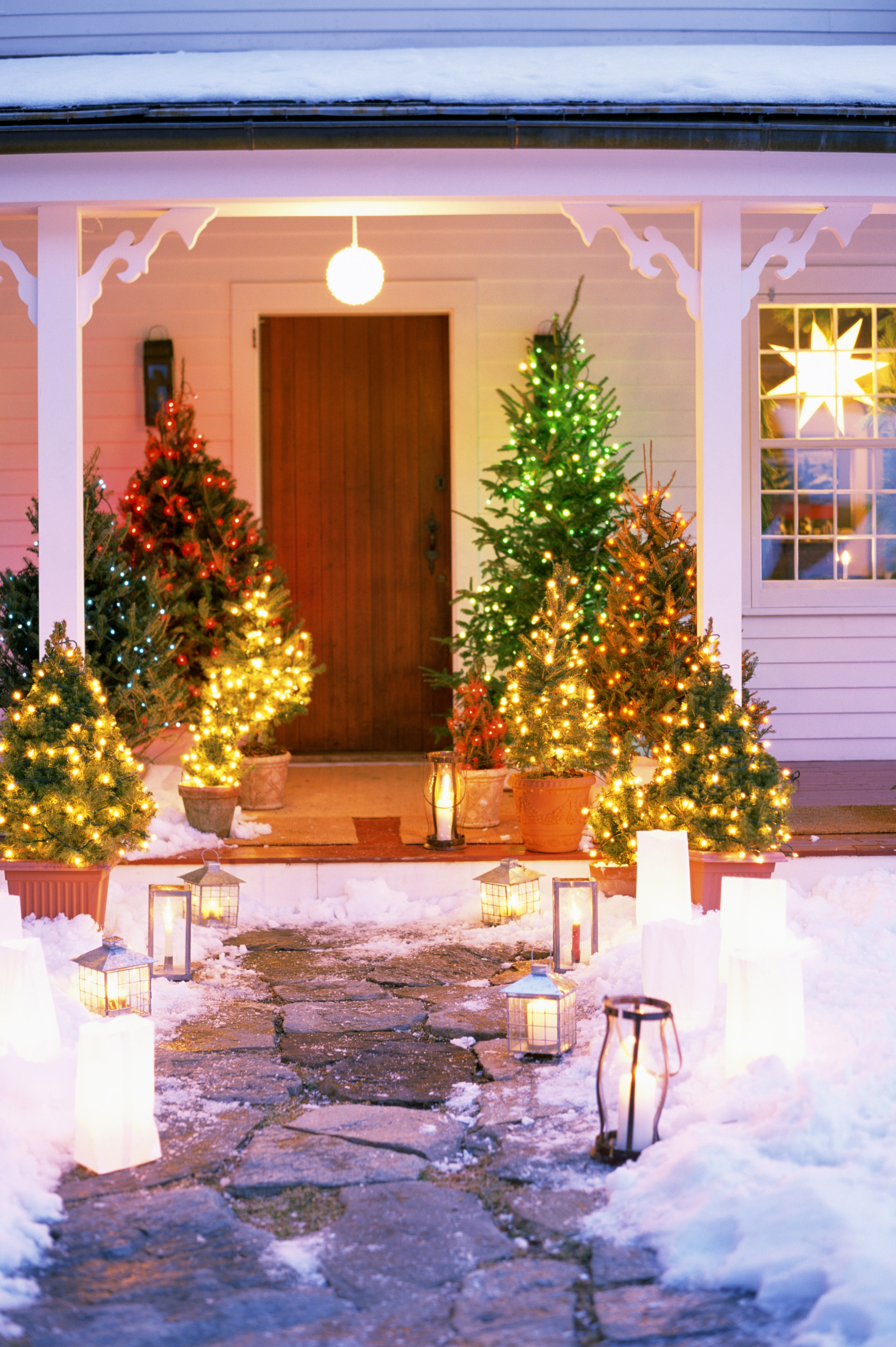 Outdoor Holiday Lanterns Throughout Newest Christmas Exterior Lighting Ideas Lightingchristmas Marvelous (View 6 of 20)