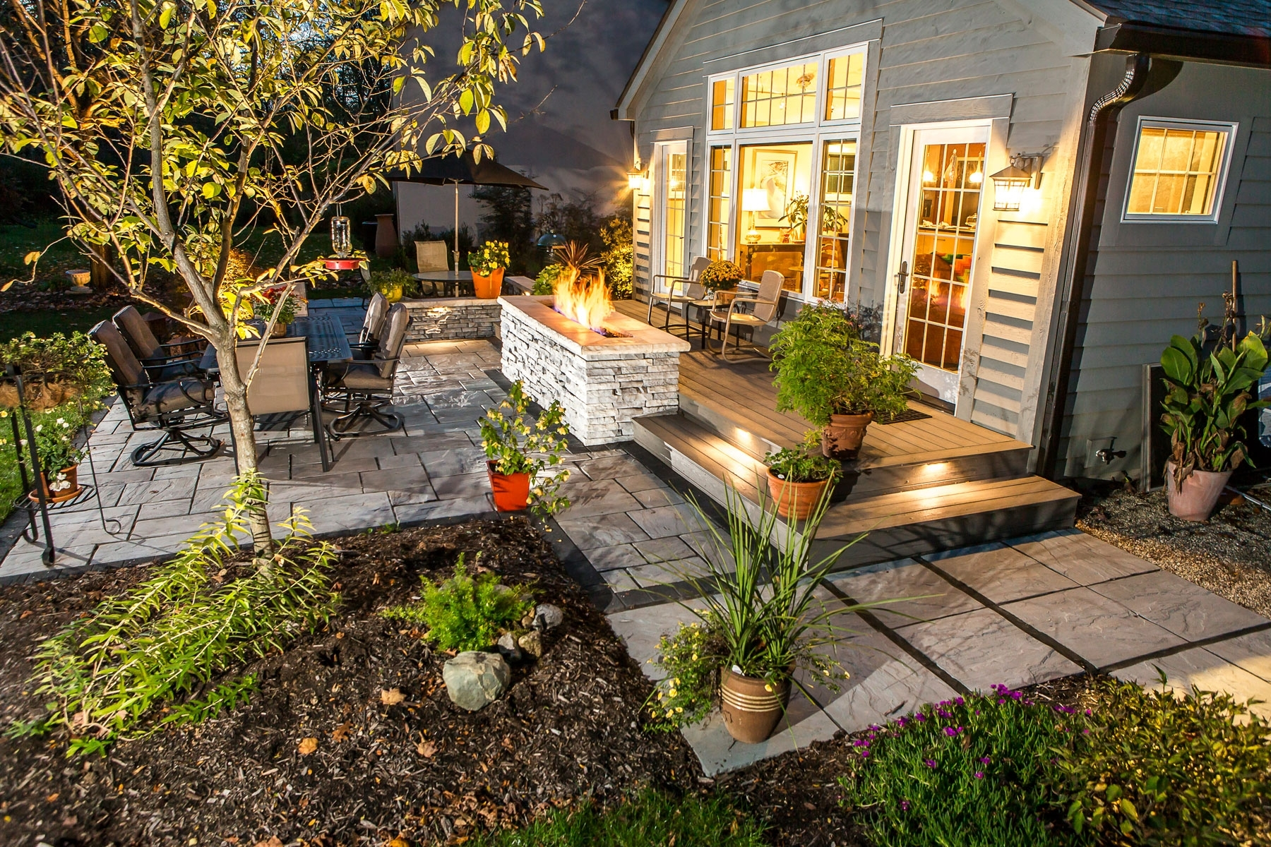 Outdoor Landscape Lanterns Intended For Popular Outdoor Landscape Lighting For Patios, Walkways, And Retaining Walls (View 14 of 20)