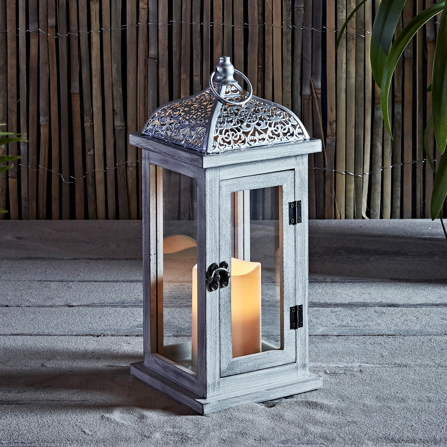 Outdoor Lanterns With Battery Operated Candles For Favorite Lights4fun, Inc (View 15 of 20)