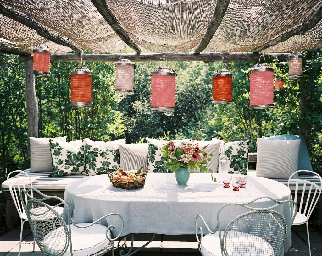 Outdoor Paper Lanterns For Patio Intended For Popular Outdoors: Patio With Paper Lanterns – Porch Vs (View 12 of 20)