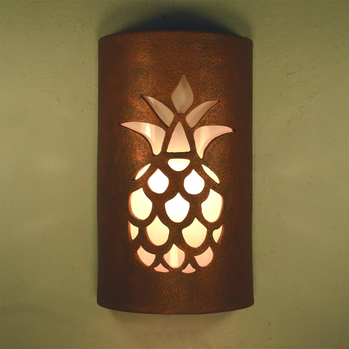 Outdoor Pineapple Lanterns For Fashionable Outdoor Pineapple Lights – Outdoor Lighting Ideas (View 11 of 20)