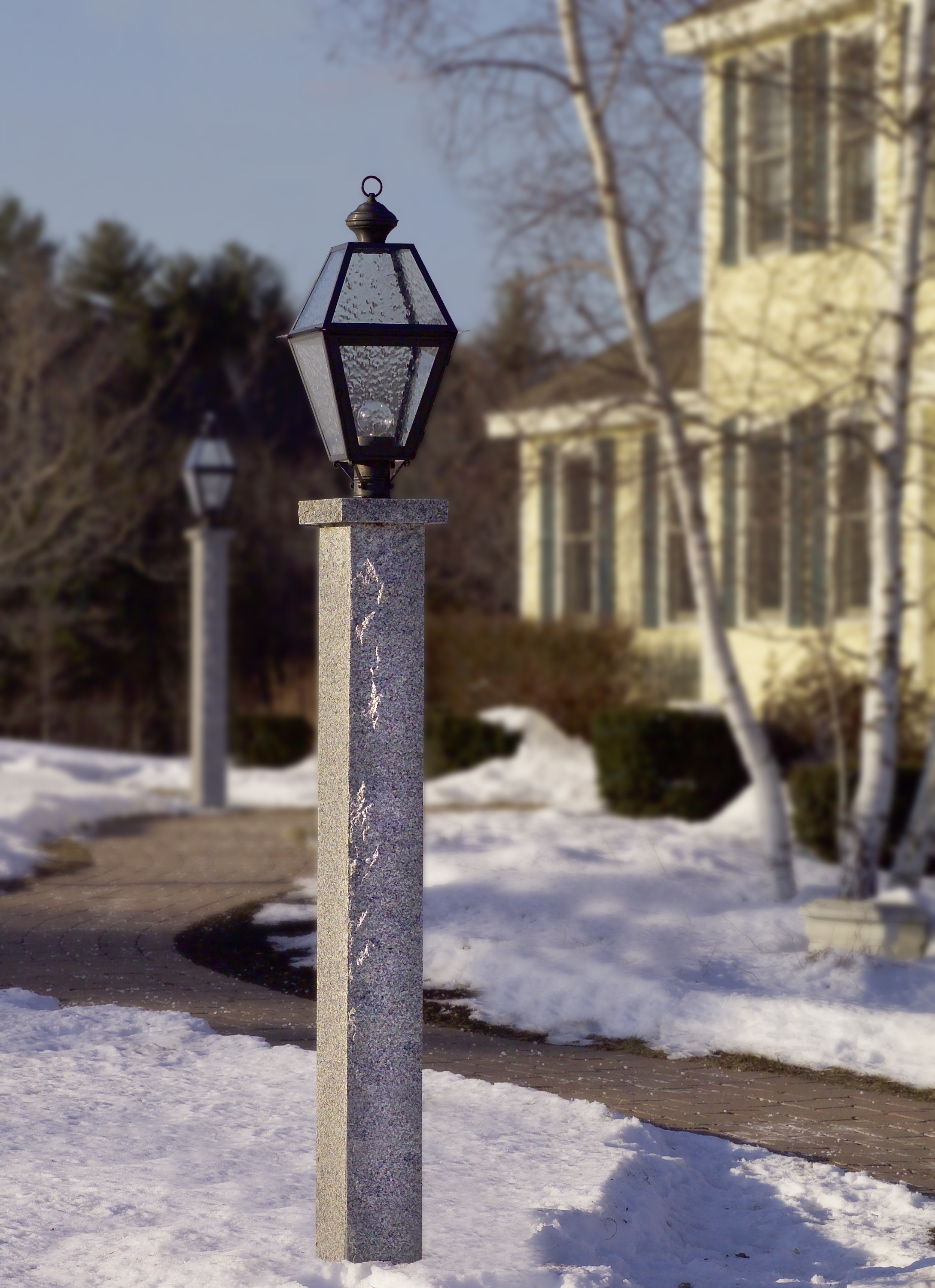 Outdoor Post Lanterns With Regard To Most Up To Date Colonial, Primitive And Country Post Lights (View 17 of 20)