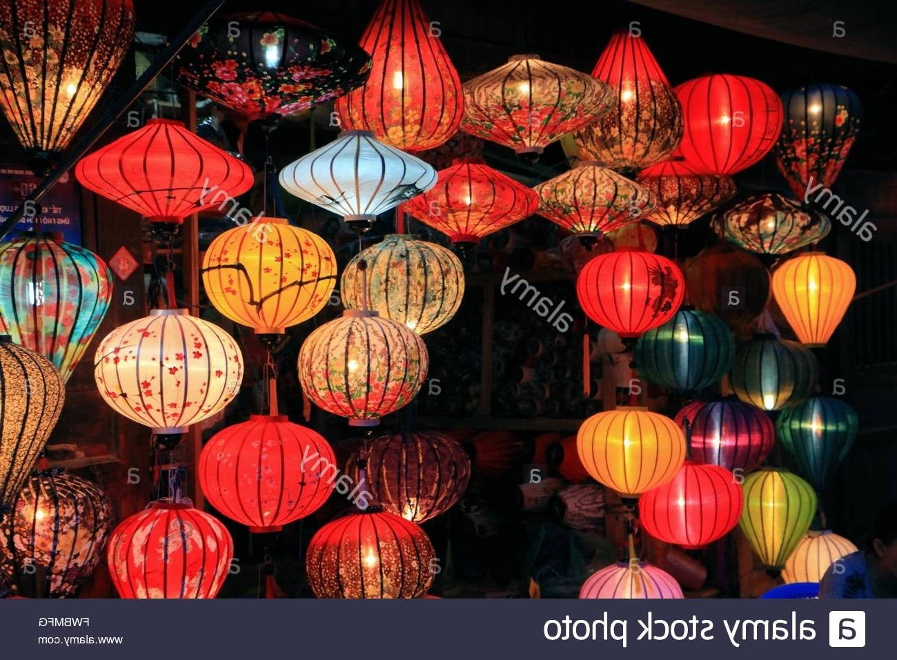 Outdoor Vietnamese Lanterns For Popular Traditional Silk And Bamboo Lanterns For Sale In Hoi An, Vietnam (View 12 of 20)