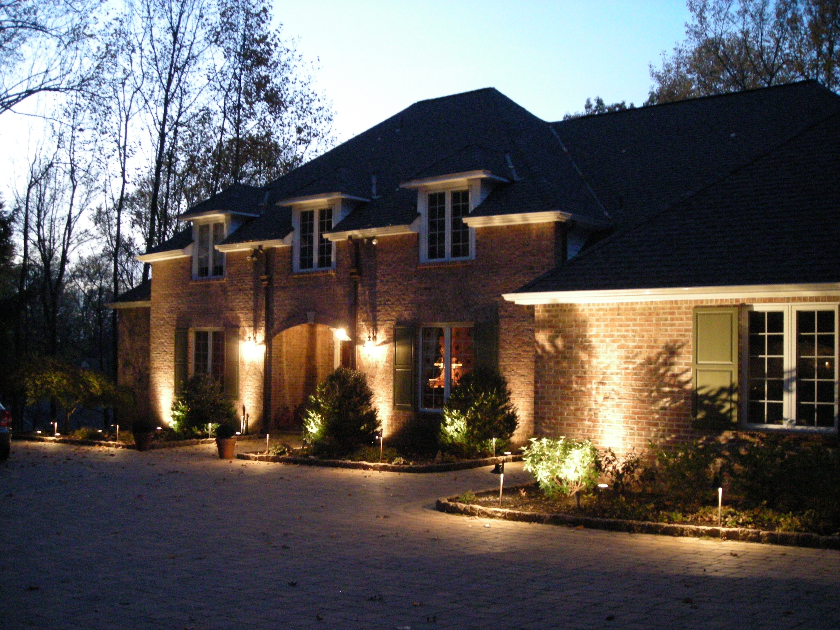Outdoor Yard Lanterns With Regard To Favorite Outdoor Landscape Lighting Design Tips Pdf (View 20 of 20)
