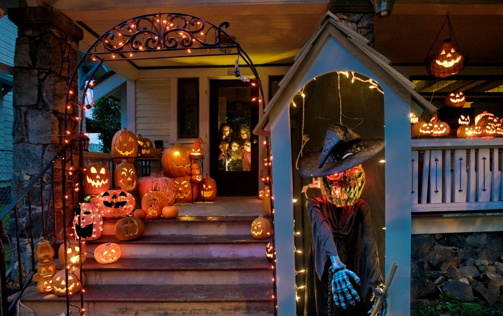 Preferred Outdoor Halloween Lanterns Inside Outdoor Halloween Lighting Ideas (View 19 of 20)