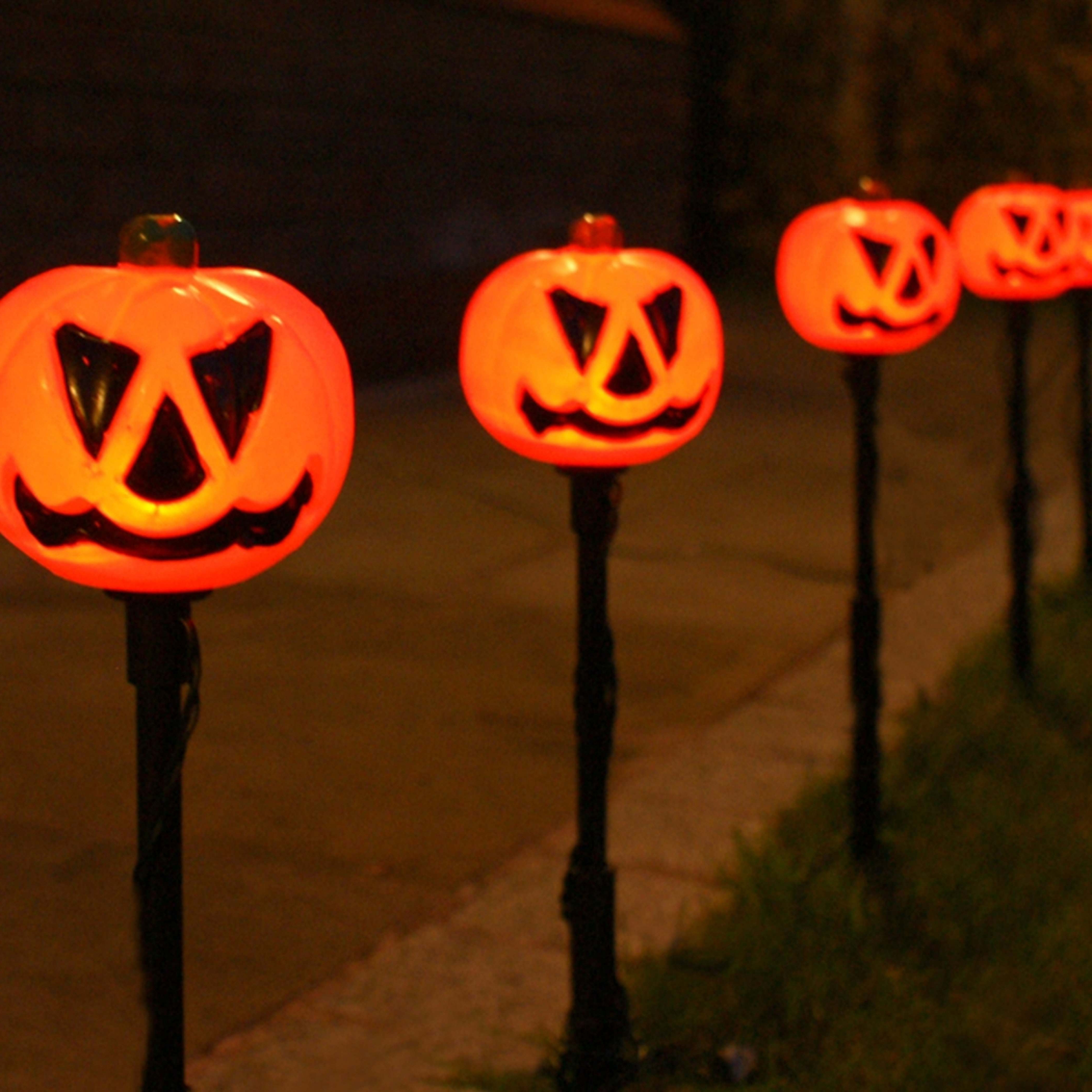 Preferred Outdoor Pumpkin Lanterns Within 5 Outdoor Halloween Pumpkin Stake Lights, Orange Leds (View 3 of 20)