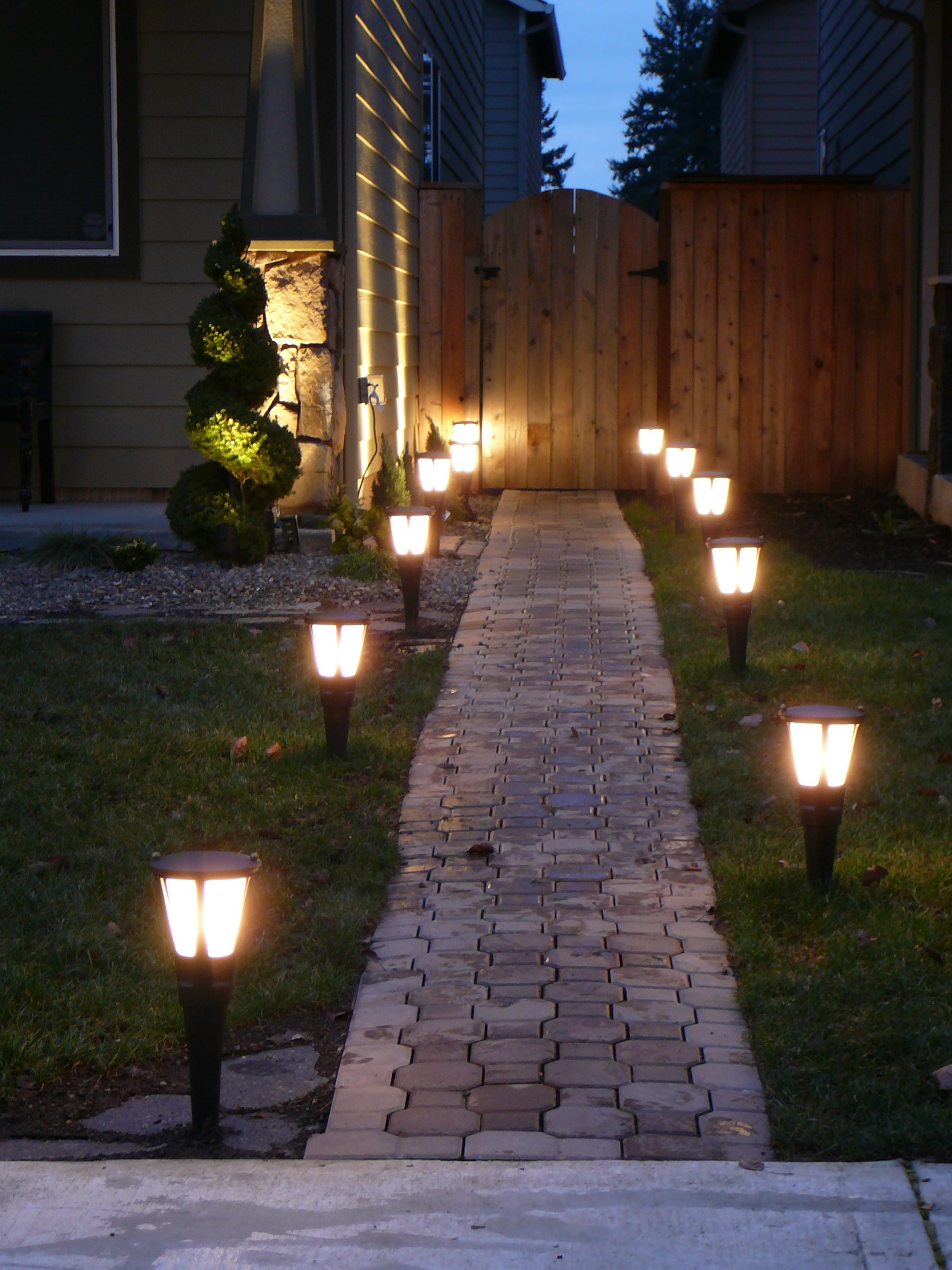 Trendy Innovative Outdoor Landscape Lighting Home Decor Unique Modern Regarding Outdoor Yard Lanterns (Gallery 9 of 20)
