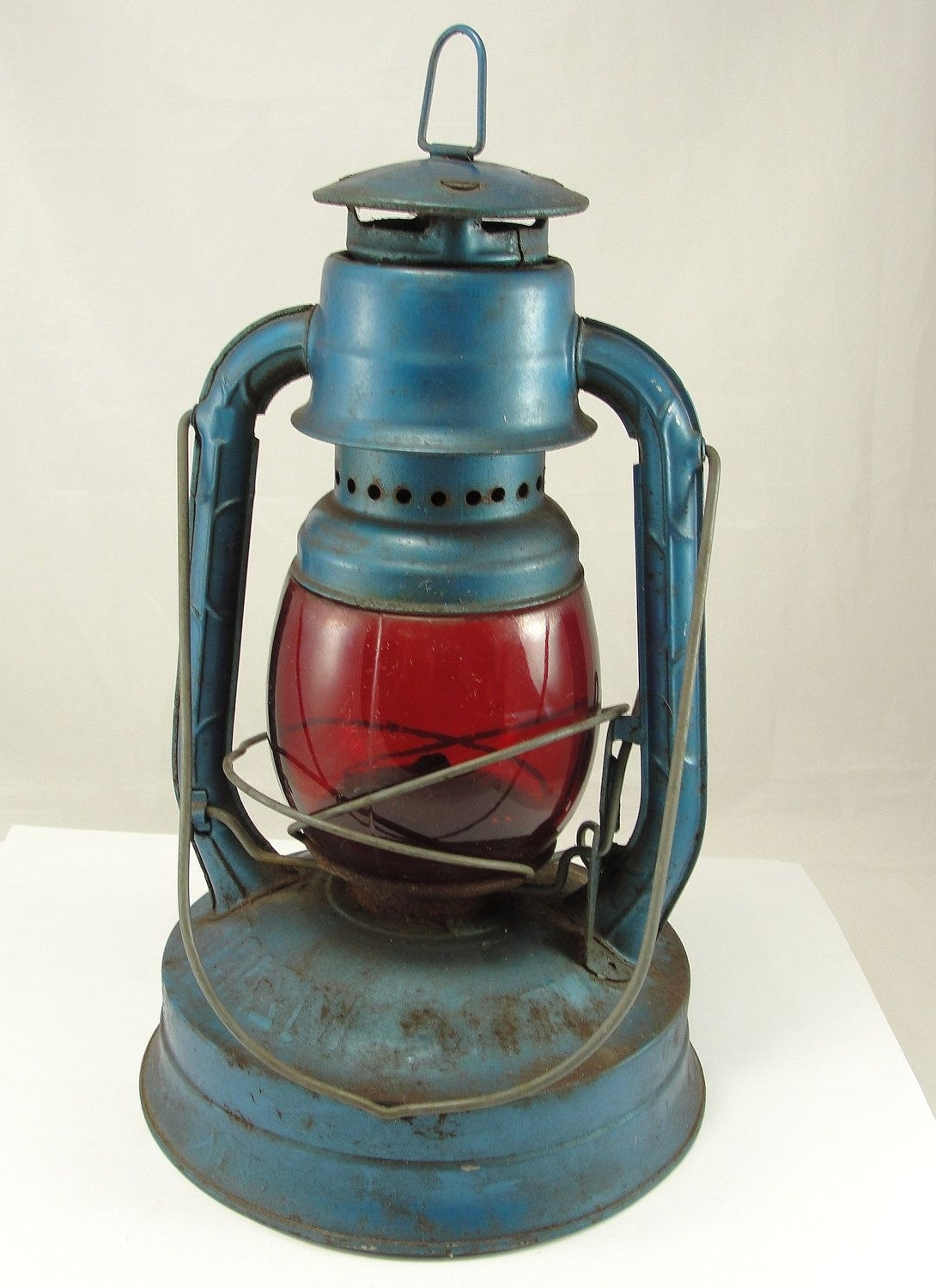 Vintage Dietz Lantern Railroad Intended For Outdoor Railroad Lanterns (View 17 of 20)