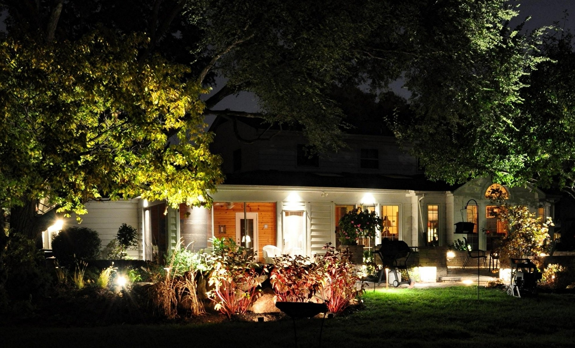 Well Known Outdoor Lighting Ideas For Front Of House Throughout Outdoor Yard Lanterns (View 14 of 20)