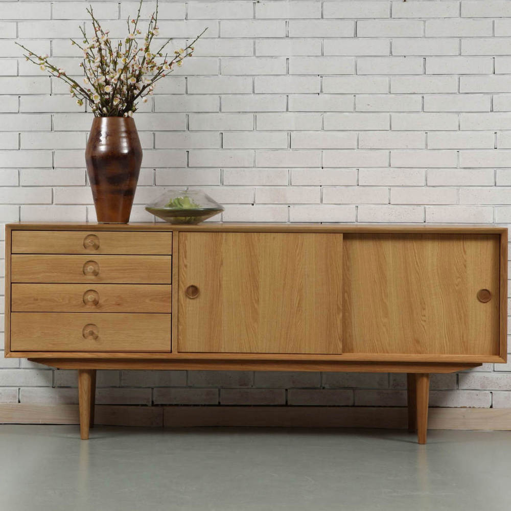 Fashionable Jorgen Sideboard – Oak – 175X45X76Cm – Icondesign With Regard To Tobias 4 Door Sideboards (Gallery 8 of 20)