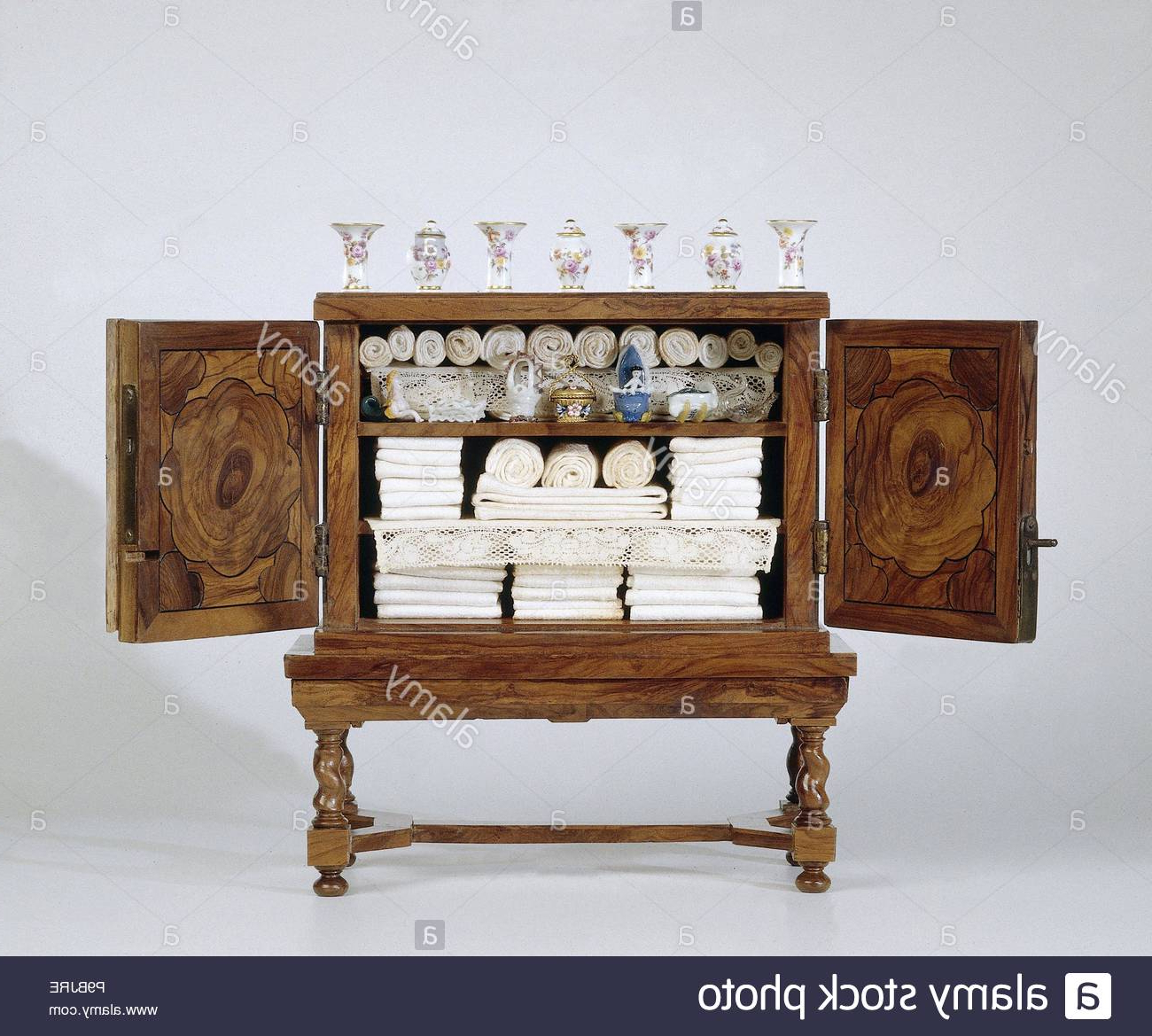 Favorite Yamal Wheeled Sideboards Within Under Chassis Stock Photos & Under Chassis Stock Images – Alamy (View 3 of 20)