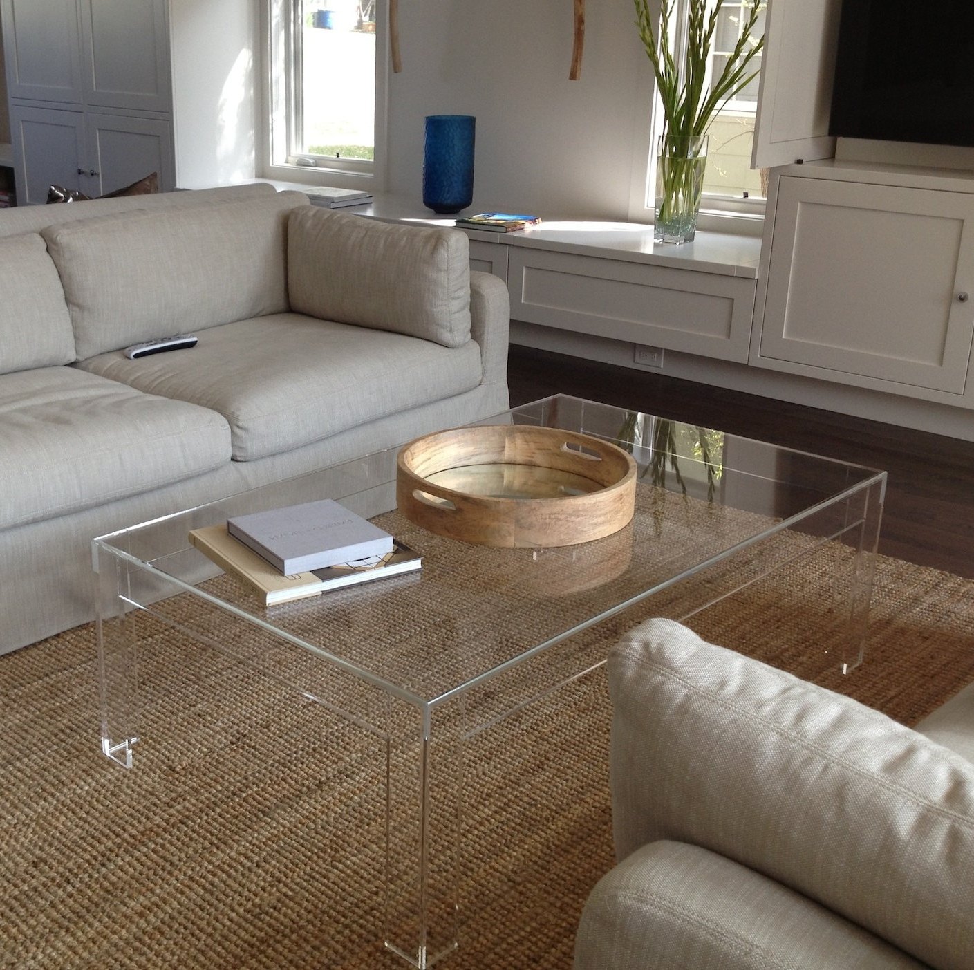 Felicity Cocktail Tables Regarding Famous Acrylic Coffee Table: Elegant In Living Room! — Fossil Brewing Design (View 4 of 20)